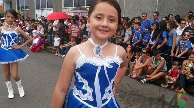 Desfile del 15 de Setiembre 2014 en San Isidro de El General